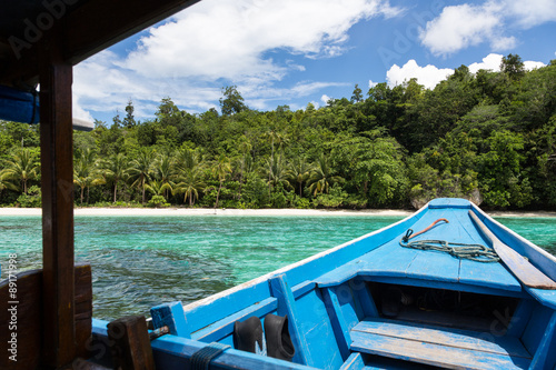 Foto op Aluminium Indonesië On the way to a idyllic beach in the Togians island in Sulawesi, Indonesia