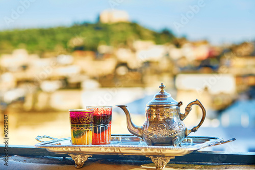 Poster Maroc Moroccan mint tea with sweets