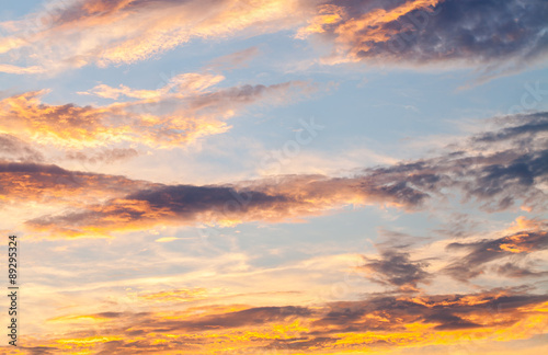 Papiers peints Beige colorful dramatic sky with cloud at sunset