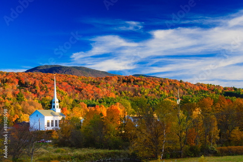 Photo Stands Autumn Rural Vermont town during peak foliage season.