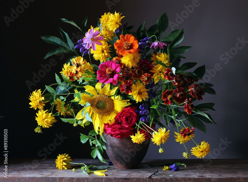 Bouquet from cultivated flowers - 89310503