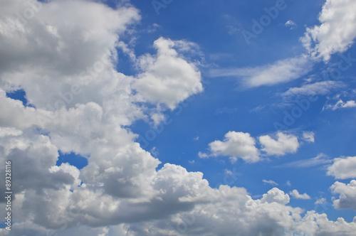 Foto op Plexiglas Hemel White cloud on blue sky