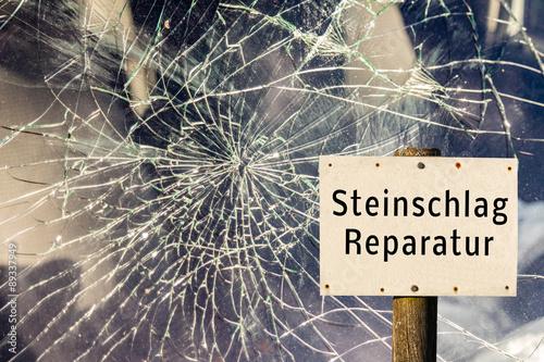Fotografie, Obraz  Steinschlag Reparatur Schild