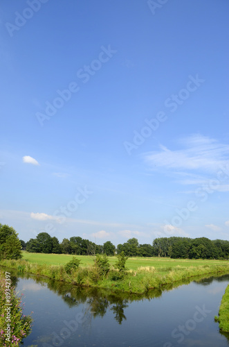 Fototapeta Weiße Wolken über dem  Münsterland obraz na płótnie