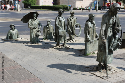 Fotografia  Detail of the monument of an anonymous passerby in Wroclaw (Poland)