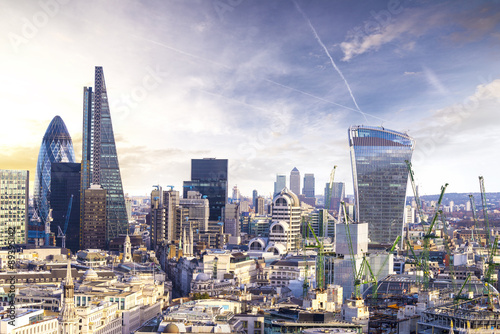 Photo sur Toile Londres London sunset, view on business modern district