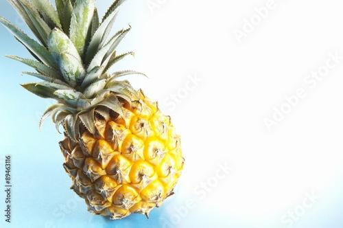 Fototapety, obrazy: A baby pineapple