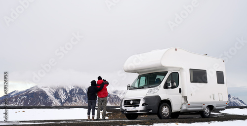Photo  Camper RV couple