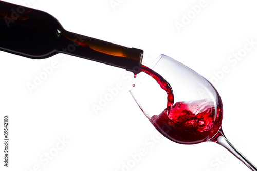 Fotografiet  Red wine on white background