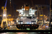 Hamburg, Blohm Und Voss Dock 17: Liverpool Express Im Dock 3