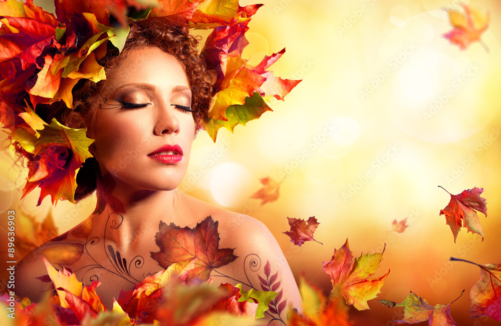 Fototapeta Autumn Woman Portrait - Beauty Fashion Model Girl - With Red Leaves