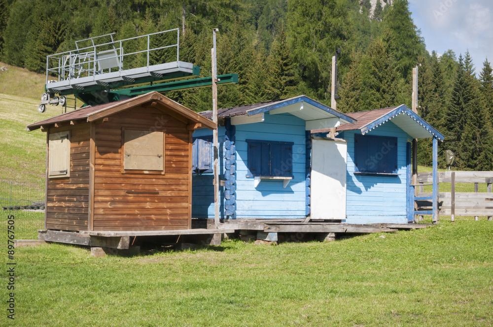 Case Di Montagna In Legno : Piccole casette di montagna in legno foto poster wandbilder bei