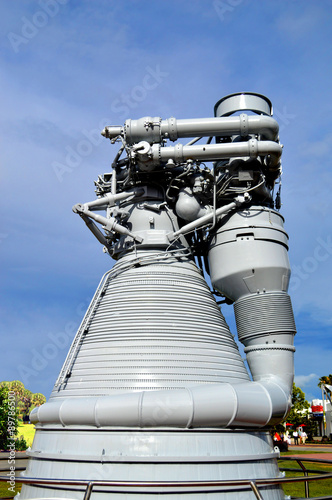 Deurstickers Nasa Cape Canaveral, Florida, USA - May 6, 2015: Apollo F1 Engine on display at Kennedy Space Centre