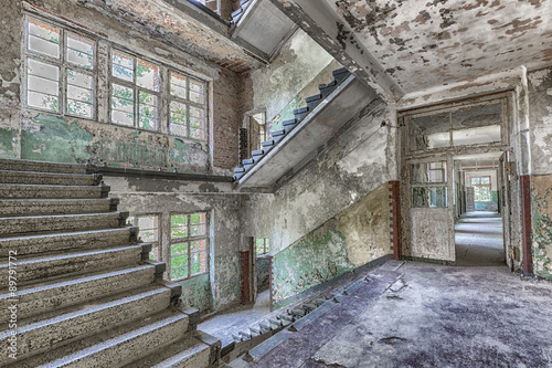 beatiful decay in lost place