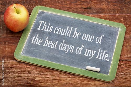 Pinturas sobre lienzo  Positive affirmation phrase on blackboard