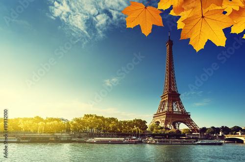 Pinturas sobre lienzo  Sena en París con la torre Eiffel en la estación del otoño