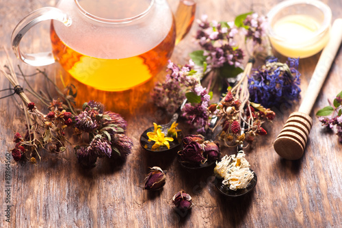 herbal tea with wild flowers and various herbs Tablou Canvas