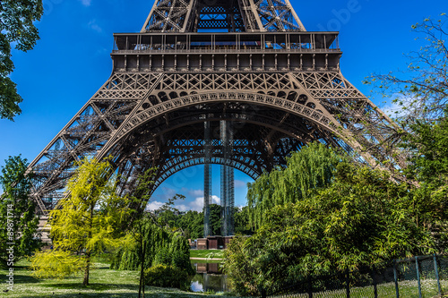 Photo  Tour Eiffel (Eiffel Tower) located on Champ de Mars in Paris.