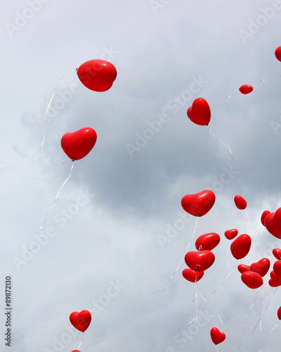 Photo  red heart balloons