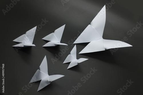 Poster Geometrische dieren White origami butterfly paper