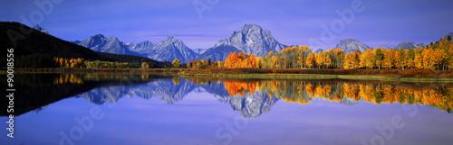 Deurstickers Honing Grand Tetons and reflection in Grand Teton National Park, Wyoming