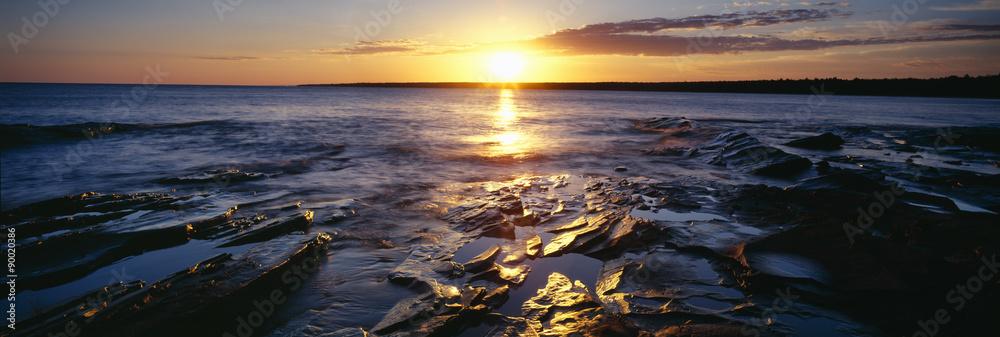 Fototapety, obrazy: Sunrise at Lake Superior, Porcupine Mountain State Park, Upper Peninsula, Michigan