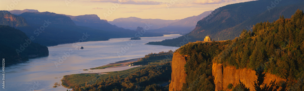 Fototapety, obrazy: This is Crown Point overlooking the Columbia River at sunset. It is also known as Woman's View.