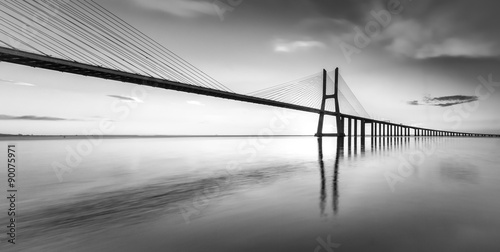 fototapeta na lodówkę An black and white vision of the bridge Vasco da Gama