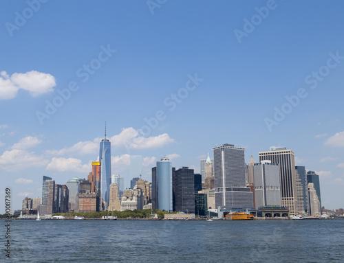Tuinposter New York City Lower Manhattan NYC Skyline from water