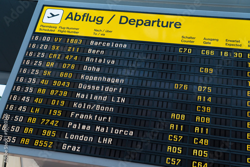 Foto op Plexiglas Luchthaven Flugtafel