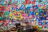 Fototapeta Młodzieżowe - artful graffiti spotted in berlin
