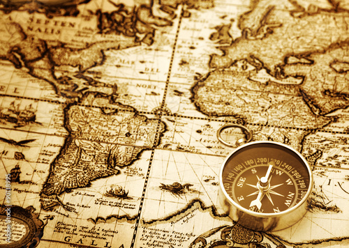 Papel de parede Compass on vintage map