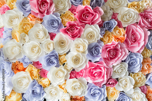 Plagát  Backdrop of colorful paper roses