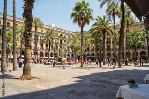 Staande foto Barcelona area with palm trees