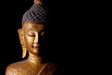Lanna Wooden Buddha Statue Of Northern Thailand ดor Worship In