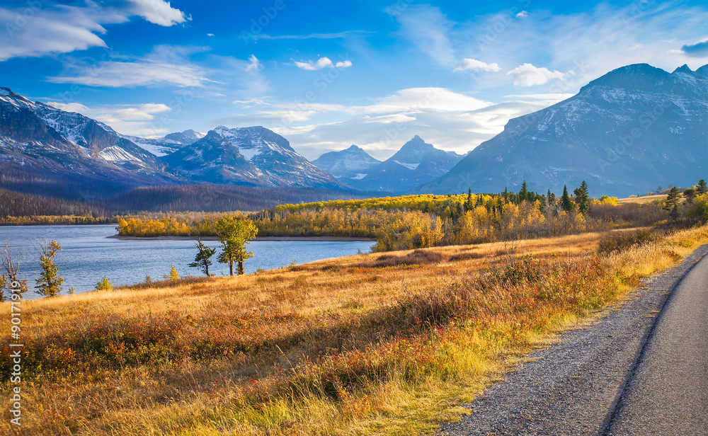 Fototapety, obrazy: autumn view of Going to the Sun Road in Glacier National Park, Montana, United States
