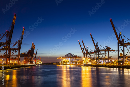 Photo  Container Terminals at Night