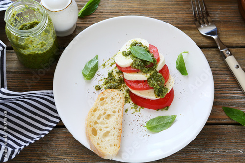 Fotografia, Obraz  Caprice salad on a plate