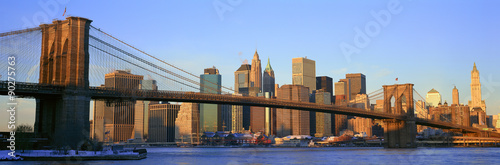 Foto op Aluminium New York Panoramic view of Brooklyn Bridge and East River at sunrise with New York City, NY skyline post 9/11 view