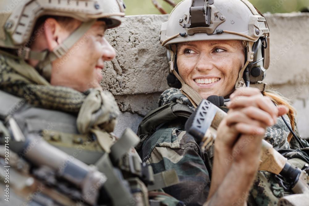 Fototapeta soldier and his wife at the battlefield