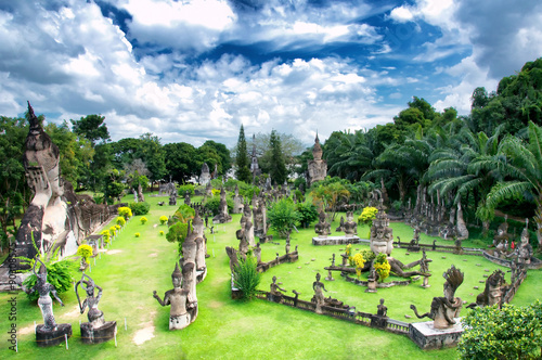 Photo Amazing view of mythology and religious statues at Wat Xieng Khuan Buddha park