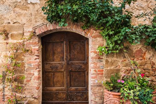 stare-retro-drzwi-w-wloskich-miasteczkach