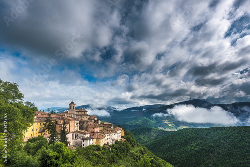 Foto op Aluminium Nachtblauw Abeto small town with beautiful views of the mountains and gorge