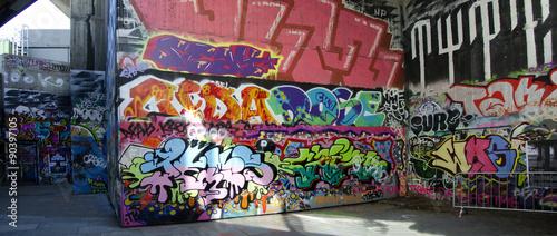 London - Graffiti on Skate Park #1 © leopold