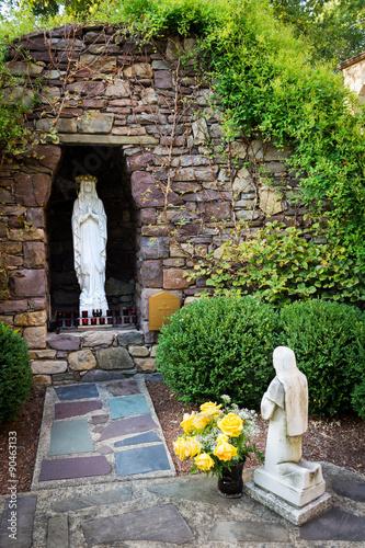 Photo  Lourdes Statue