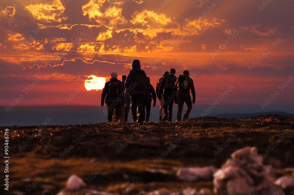 Fototapety, obrazy: trekking persone al tramonto