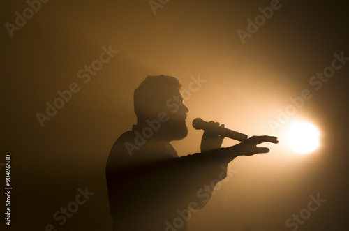 Chanteur silhouette