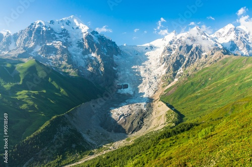 Beautiful snow mountains and glacier in Georgia Fototapete