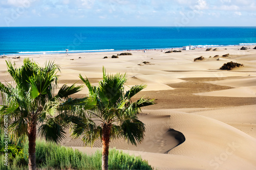 Montage in der Fensternische Kanarische Inseln Sand dunes of Maspalomas. Gran Canaria. Canary Islands.