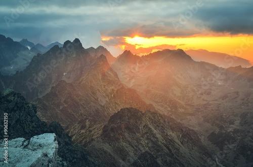Papiers peints Corail Mountain sunset landscape. Sunset in Slavkovsky Stit in High Tatra Mountains, Slovakia.